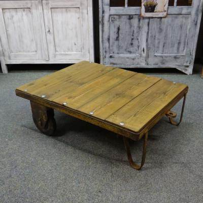 Industriální  stolek-vozík