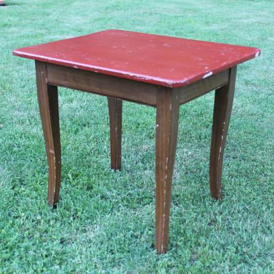 Dětský stolek