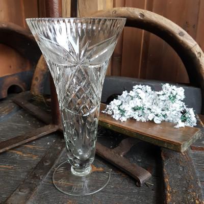 Váza broušené sklo