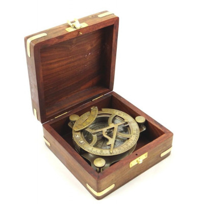 Sluneční hodiny s kompasem