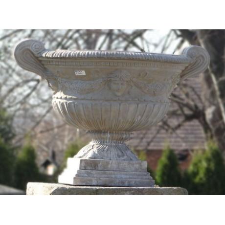 Váza s reliéfem - patina