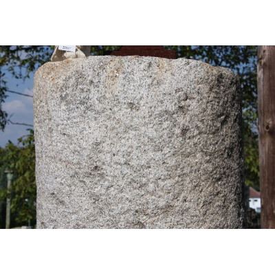 Kamenný sloup - žula