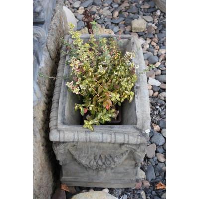 Kamenný květináč