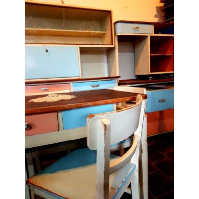 Kredenc + mycí stůl + židle