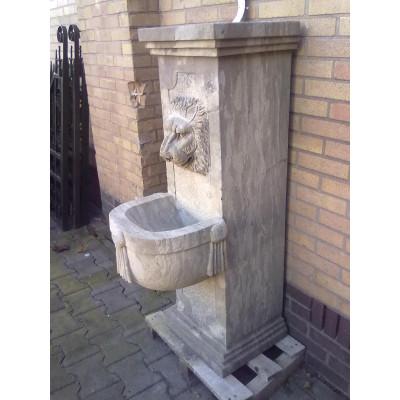 Kamenná fontána