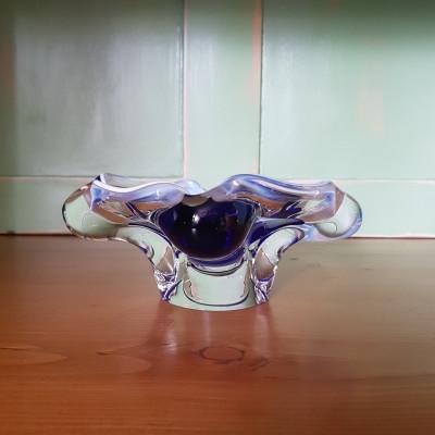 Popelník hutní sklo